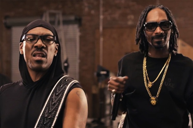 eddie-murphy-featuring-snoop-lion-red-light-video-0