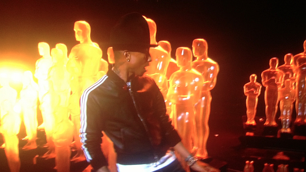pharrell-happy-academy-awards-oscars-600x337