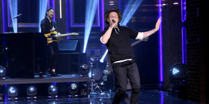 THE TONIGHT SHOW STARRING JIMMY FALLON -- Episode 0325 -- Pictured: Musical guest Macklemore performs with Ryan Lewis on September 9, 2015 -- (Photo by: Douglas Gorenstein/NBC)