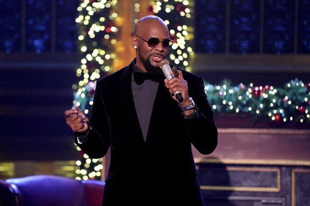 "R. Kelly ""Step In The Name Of Love"" x ""Home For Christmas"" On 'The ..."